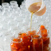 preparo e embalagem, doces araci, águas de lindoia
